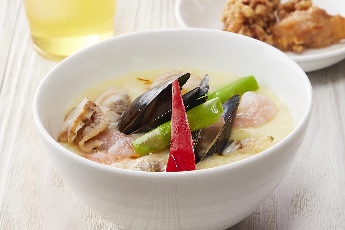 季節のおすすめメニュー「海鮮サフラン粥」が4月より販売開始!
